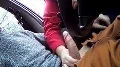 Woman gives oral sex to stranger in car